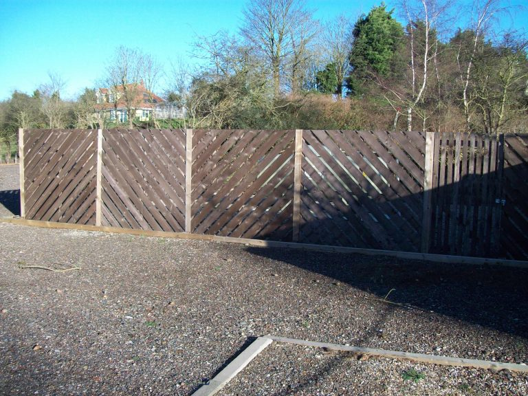 garden fence,Bungay,Norfolk & Suffolk.Grounds & Gardens Based in Bungay